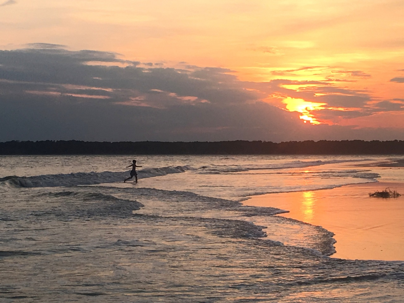 IMG_1385 kid run frolic silhouette sunset gall